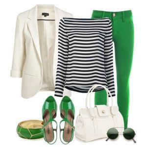 С чем носить зеленые босоножки: зеленые джинсы, тельняшка и белый пиджак