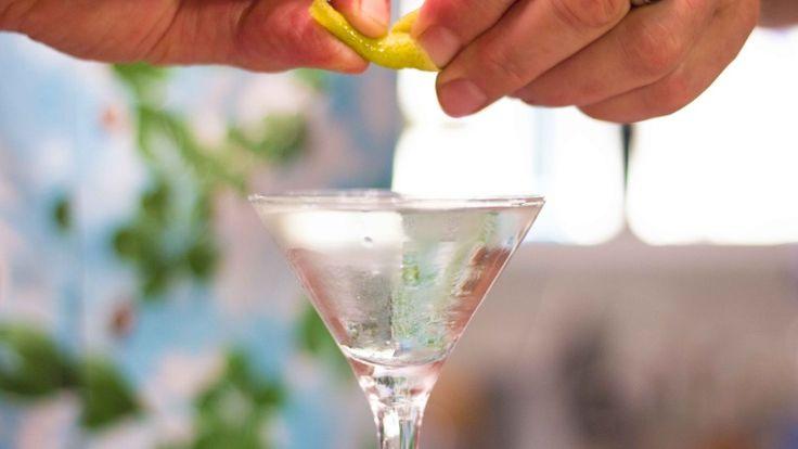 Cocktail Martini: la ricetta originale, gli ingredienti, le dosi e la storia del re dei cocktail   Wine Dharma