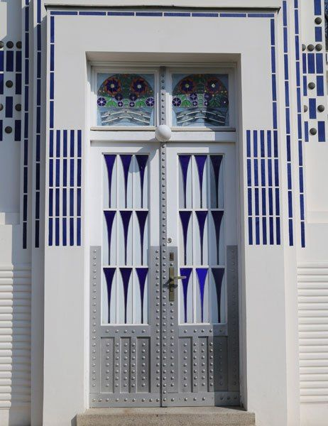 The Architect's Eye: Architect Otto Wagner's Modernist Marvels in Vienna The entrance to Villa Wagner 2