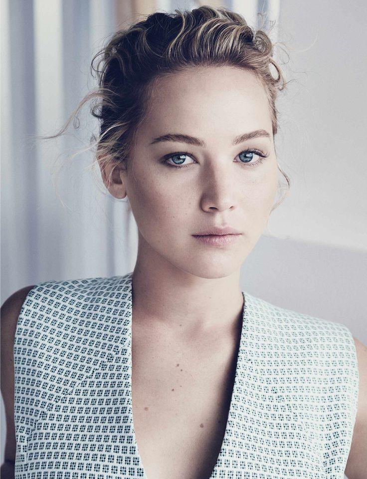Новая рекламная кампания сумки /Be/ /Dior/ с актрисой Дженнифер Лоуренс в главной роли