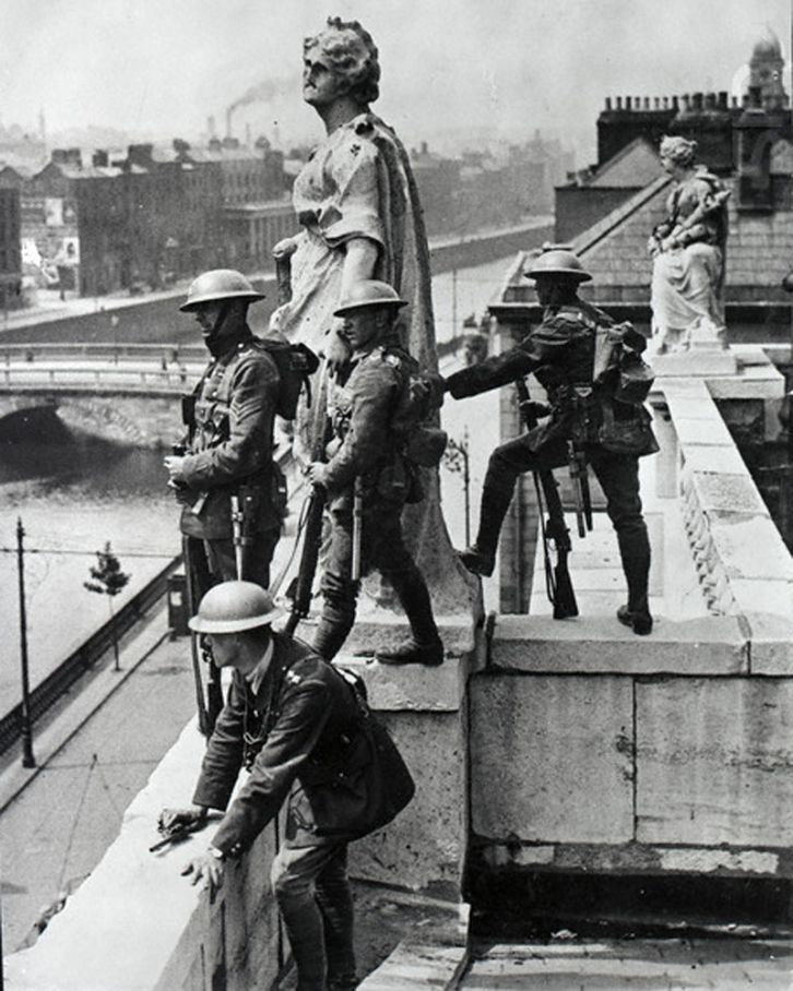 Troops of the British Occupation Forces watch over Dublin City during the War of Independence, Ireland, 1920