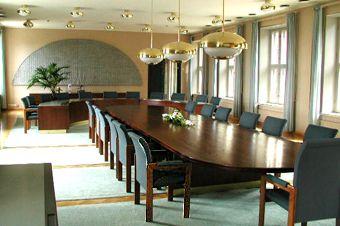 Lahden kaupungintalo sijaitsee Harjukadulla. Kaupungintalon suunnitteli Eliel Saarinen ja talo valmistui vuonna 1912 kaupungin hallinnon,palolaitoksen, poliisilaitoksen ja kaupunginvankilan toimitiloiksi.