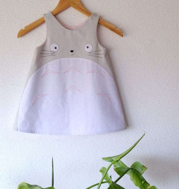 Just arrived specially for totoro lovers  Made with 100% cotton light gray. The embroidery and crochet also with cotton yarn The inner lining: cotton