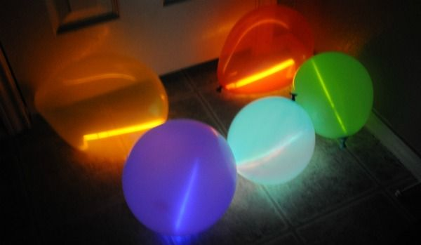 Things that Glow: Balloons with Glow Sticks