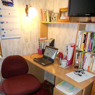 My writing desk! It hardly ever looks this tidy! www.traceyalvarez.com