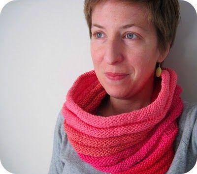 Transverse Cowl Knitting Pattern : Cornflower Blue: free knitting pattern :: accordion cowl Knitting Pintere...