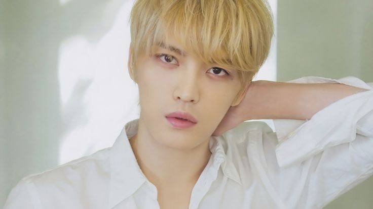 "JYJ's Kim Jaejoong Shows Off A New Look For His Upcoming Time-Slip Comedy Drama ""Manhole"" 