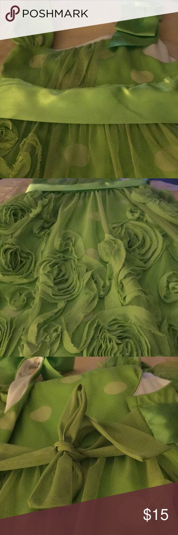 Beautiful Girls Lime Green Dress Bonnie Jean Size 7 in Girls Dress Chevron roses with satin polka dots underneath. Cute bow on one shoulder, ties in the back 100%polyester Excellent Condition Bonnie Jean Dresses Formal