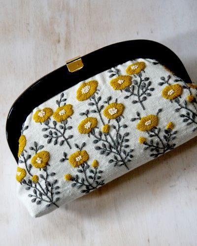 Yumiko Higuchi wool flower pouch