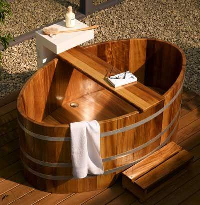 Die besten 25 holzbadewanne ideen auf pinterest japanische badewannen wannen und japanische bad - Holzbadewannen freistehend ...