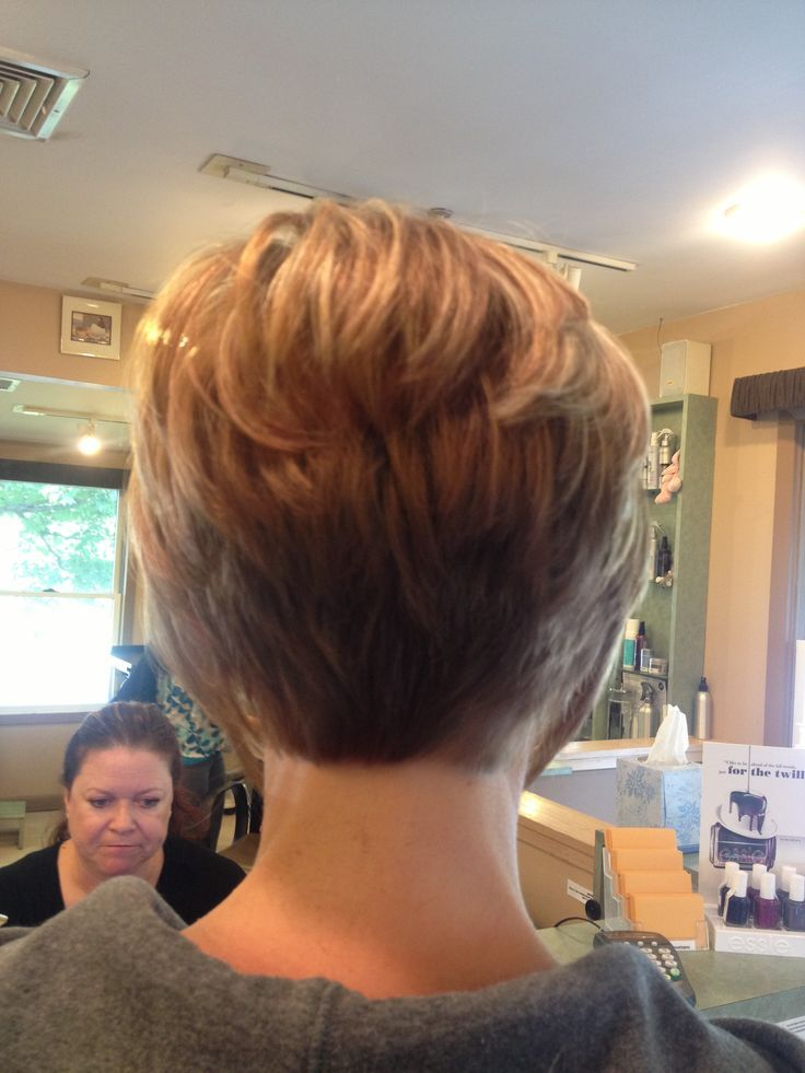 short stacked hairstyles for thin hair