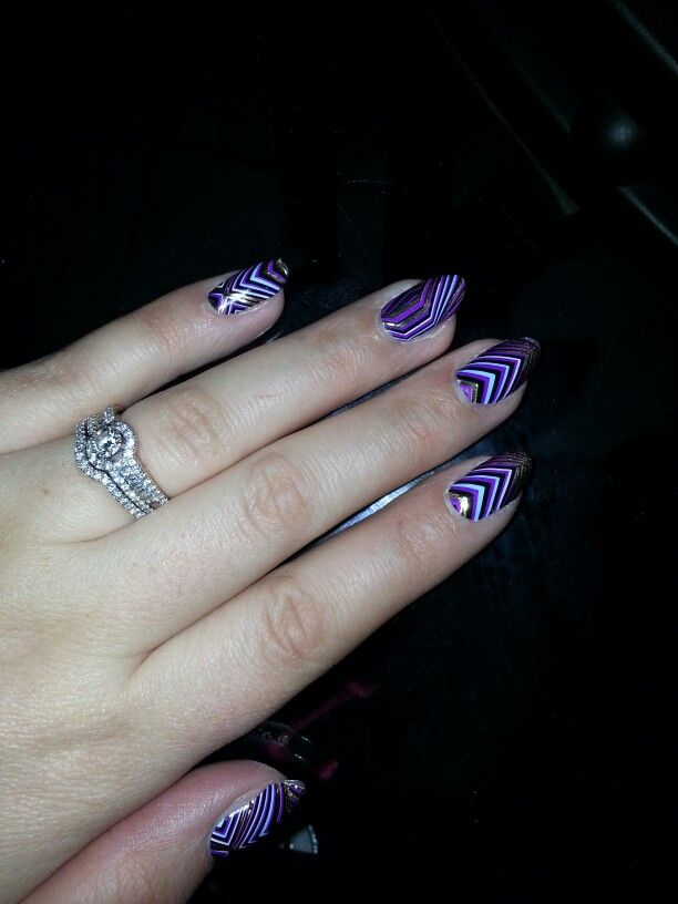 Dashing diva applique on almond shaped nails