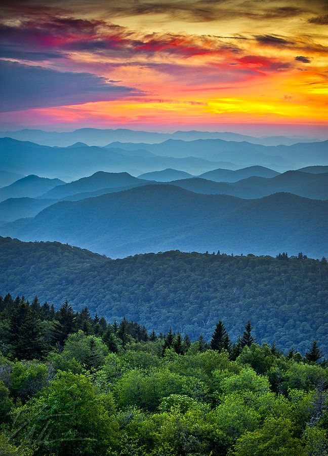 "coiour-my-world: "" Blue Ridge Parkway, Appalachian Mountains, North Carolina """