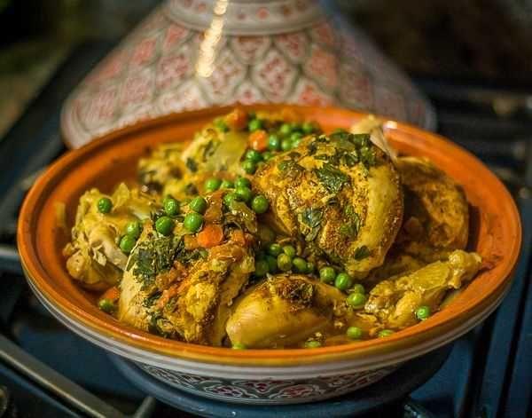 Cette recette marocaine de tajine de poulet aux légumes est facile à une valeur…