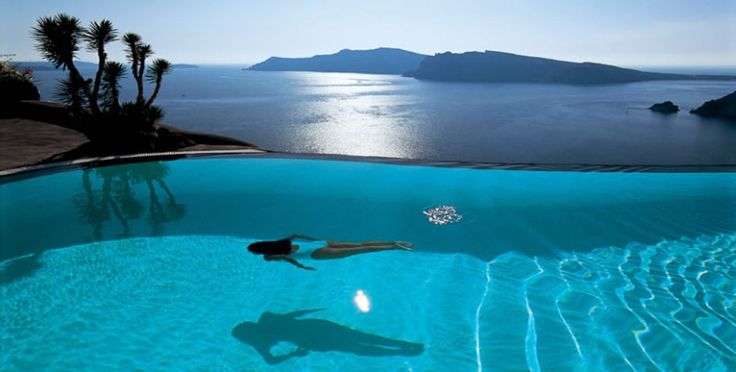 👙Santorini is one of the most famous Greek islands. Here I just discover an amazing luxury resort: Perivolas, the ultimate in laidback luxury.
