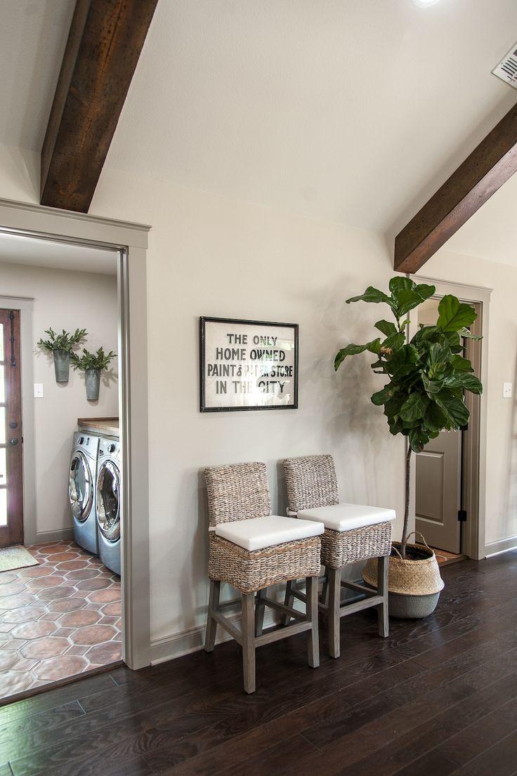 Living Room Colors Joanna Gaines Hardwood Floors In Sunken Best 25+ Fixer Upper Paint Ideas On Pinterest ...