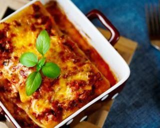 Lasagnes boeuf, tomates et mozzarella : http://www.fourchette-et-bikini.fr/recettes/recettes-minceur/lasagnes-boeuf-tomates-et-mozzarella.html