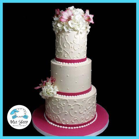 ivory butter cream wedding cake