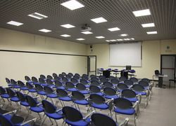 The Respighi Meeting Room has a capacity of 80 places (theatre-style layout) and has a speakers' table with 4-5 seats on a raised platform