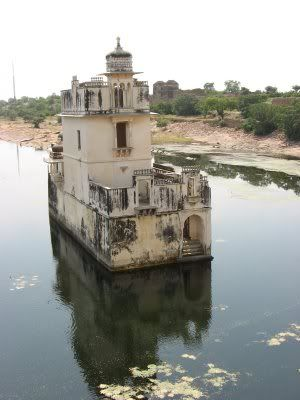 Curious Places: Chittorgarh Fort (India)