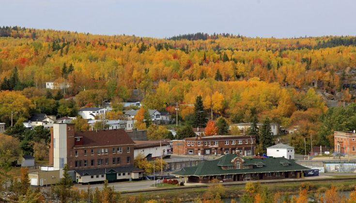 Lake Temiskaming Fall Colours Tour.   Cobalt Photo by Sue Nielsen.