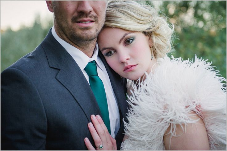 Lauren-Kriedemann_Blush_emerald_gold_styled_wedding042