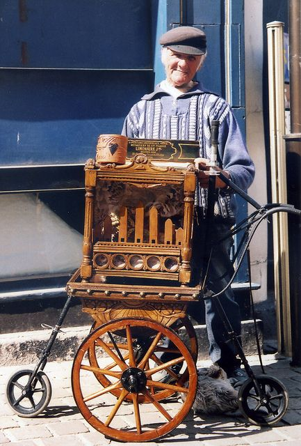 STREET MUSICIAN IN NORMANDY