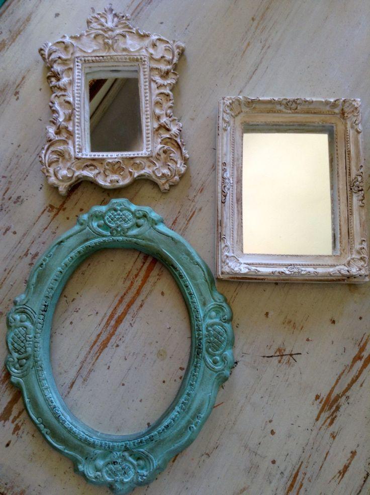 Marcos y espejos de yeso patinados
