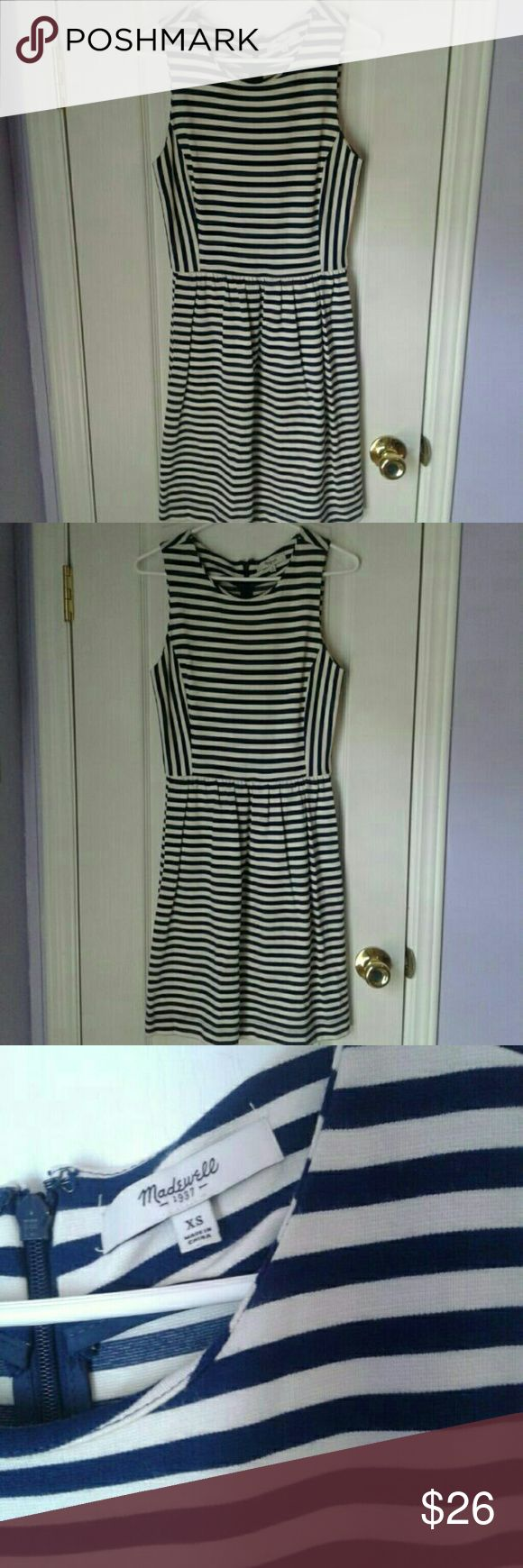 Madewell Sleeveless Striped Dress Women's Madewell by J. Crew navy and white/cream striped dress. Gently worn, light wear from wash. No stains or holes. Zips up back. 88% viscose 10% nylon 2 % spandex Summer Beach nautical Madewell Dresses