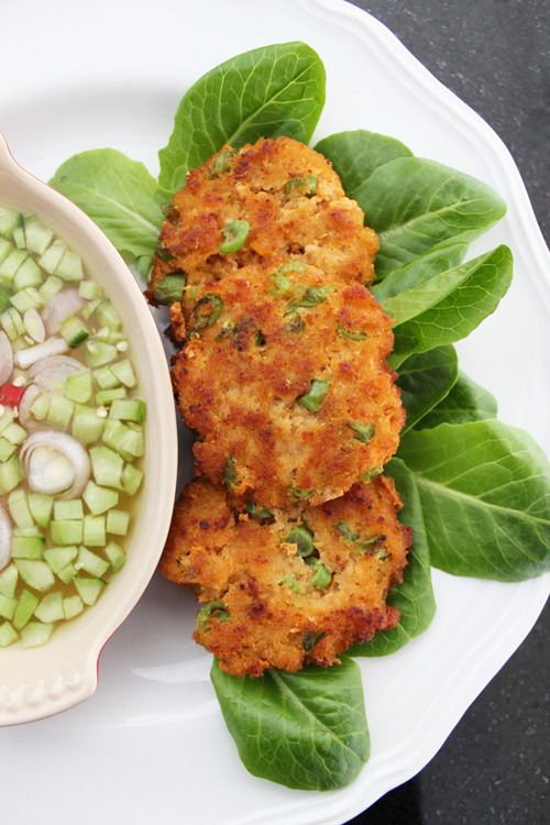 Tod Mun Spicy Fish Cakes #Indonesian recipes #Indonesian cuisine #Asian recipes http://indostyles.com/