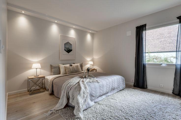 Lyset på dette soverommet gjør det ekstra lunt og trygt.