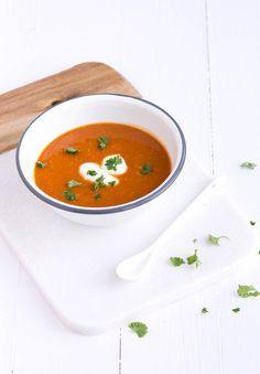 Hartverwarmend, deze Indiase linzensoep op basis van tomaat.