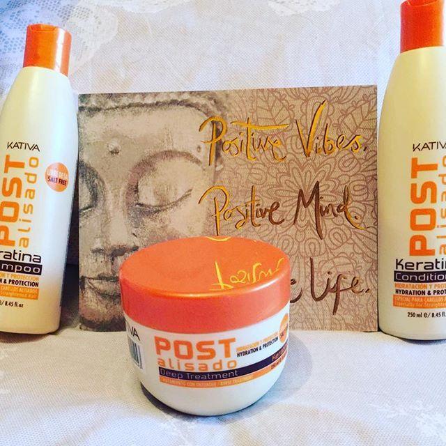 Η σειρά Kativa Post Alisado Straightening x3 επεκτείνει την διάρκεια της λείανσης  και είναι η τέλεια φροντίδα για τα μαλλιά σας με δράση anti-frizz. -παρατείνει την λείανση -Αναδομεί εσωτερικά και διατηρεί λεία και ανθεκτικά μαλλιά -Καλύπτει τα εξωτερικά στρώματα των μαλλιών που σχηματίζουν διαφάνεια και δίνει απαλότητα και λάμψη. -Άμεσο αποτέλεσμα κατά του φριζαρίσματος αλλά και της μείωσης του ανεπιθύμητου όγκου των μαλλιών. Οι δικές σας φωτογραφίες!