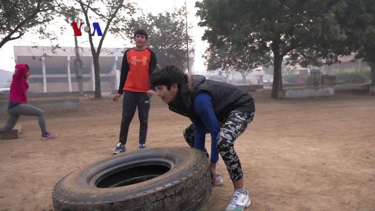 Di utara negara bagian Haryana, India, semakin banyak pemudi yang menekuni olahraga gulat. Gulat sendiri bukanlah olahraga yang umum digeluti perempuan mengingat budaya patriarki yang mengakar di India. Versi awal dipublikasikan pada - http://www.voaindonesia.com/a/gulat-putri-ubah-paradigma-sosial-india/3709055.html