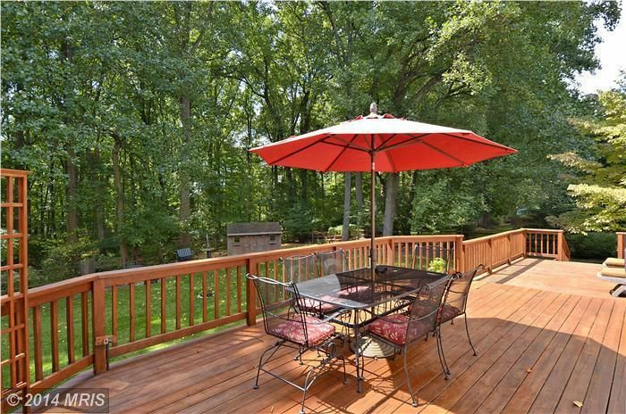 Great backyard deck! 18712 Shremor Drive, Derwood, MD #homeforsale | The Speicher Group www.livelovemaryland.com