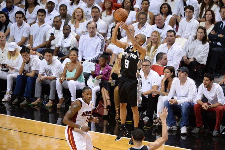 Les San Antonio Spurs ont renoué, après quatre défaites consécutives, avec la victoire lundi face aux Los Angeles Clippers (125-118) malmenés notamment par Tony Parker, auteur de 26 points pour son retour de blessure.