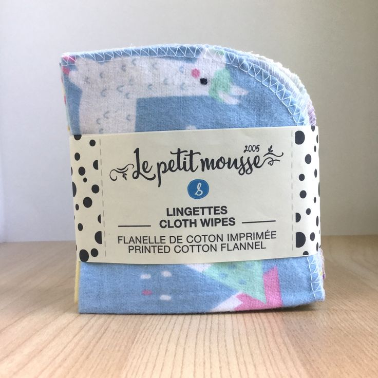 Cotton flannel baby cloth wipes made in Canada. Perfect with cloth diapers and wipes solution. Zero Waste. www.lepetitmousse.com