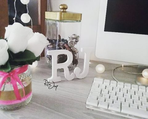 """Rita Juq (@ritajuq) no Instagram: """"This #plannergirl has a little something new on her #desk ^o^ #planningwithjuq 💗 #woodenletters…"""""""