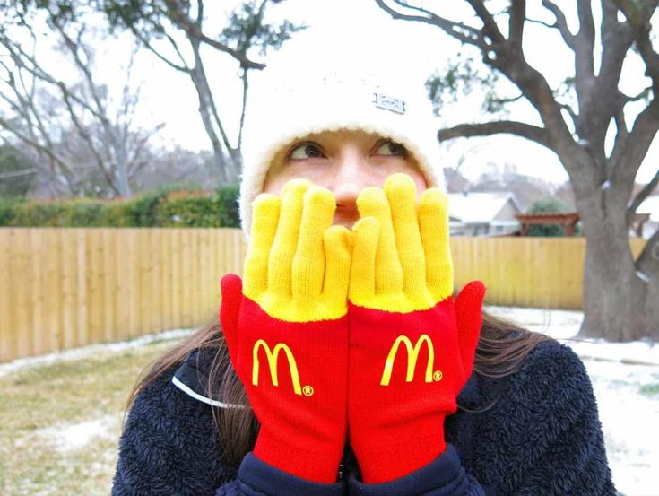 19. Winter gloves