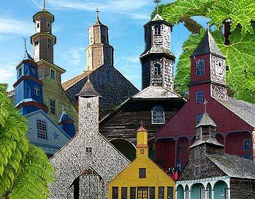 Las iglesias de Chiloé(Chile) estan integramente construidas de madera ( photo collage ) Patrimonio de la Humanidad