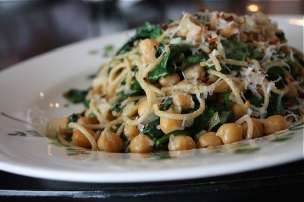 You will never miss the meat in the vegetarian pasta dish. Whole Wheat Spaghetti with Sauteed Chickpeas and Spinach is hearty, healthy and delicious!