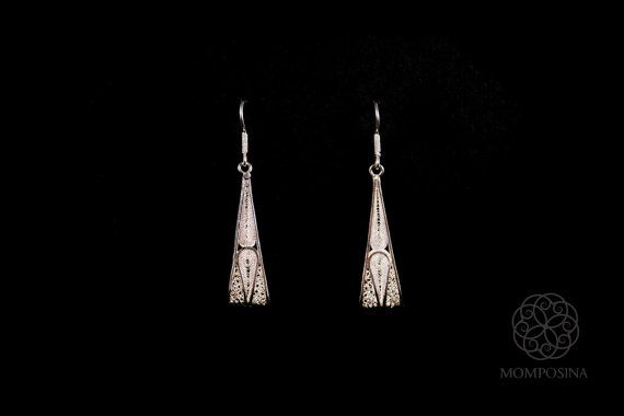 Gorgeous woven silver filigree triangle earrings made in ultra-thin threads of the finest grade silver from Bolivar, Colombia, South America.