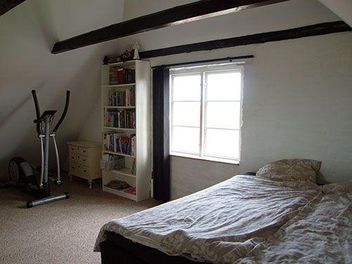 Fritids hus til salg på Samsø Stor lækkert soveværelse med loft til kip og god udsigt