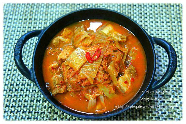 [김치찌개] 돼지고기 김치찌개 맛있게 끓이는법 – 레시피 | Daum 요리