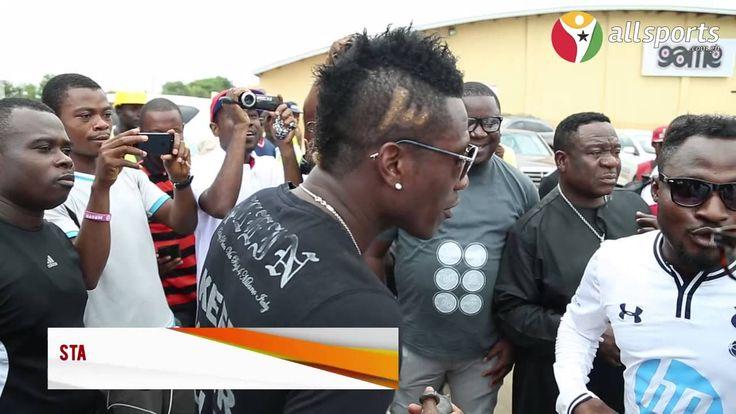 cool  #allsports #asamoah #AsamoahGyan(FootballPlayer) #BabaYaraStadium(Sports... #BlackStars #crack #face #Fans #funny #FunnyFace #Ghana #Ghana(Country) #gyan #ibu #Kumasi(City/Town/Village) #Mr. #Mr.Ibu #StarSoccerFiesta #up Allsports Ghana - Asamoah Gyan, Mr. Ibu & Funny Face crack up fans http://www.pagesoccer.com/allsports-ghana-asamoah-gyan-mr-ibu-funny-face-crack-up-fans/