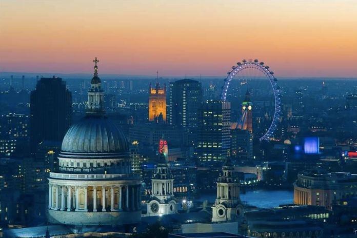 Clear summer views in London #Summer #LondonEye #StPauls #BigBen