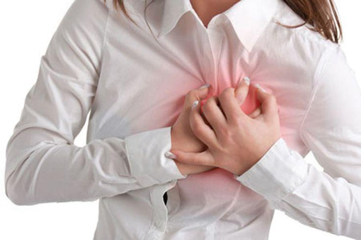 L'infarto nelle donne: i 6 sintomi più comuni