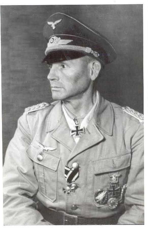 "GdFT Hermann-Bernhard Ramcke (1889-1968) RKESB Kdr FschJägBrg ""Ramcke"" - Kdr Festung Brest"