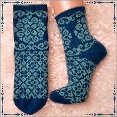 Ravelry: Essy socks pattern by JennyPenny