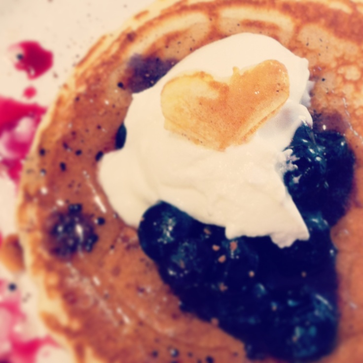 Pancakes with blueberries and organic yoghurt